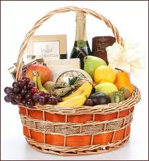 Gift Basket (Large - Mixed/Fruit/Non-Perishable)